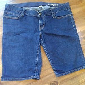 Gap maternity shorts 28/6